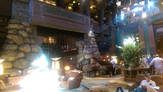 Disney's Grand Californian Hotel & Spa: Lobby