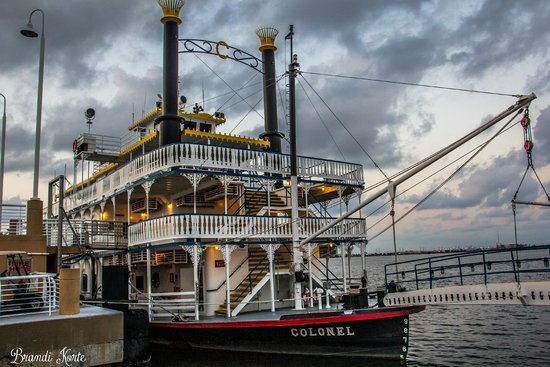 Moody Gardens: Colonel Paddlewheeler