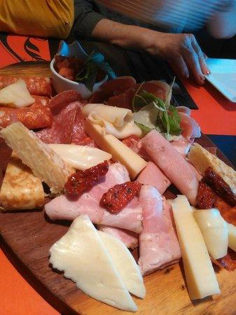 Santi food bar
