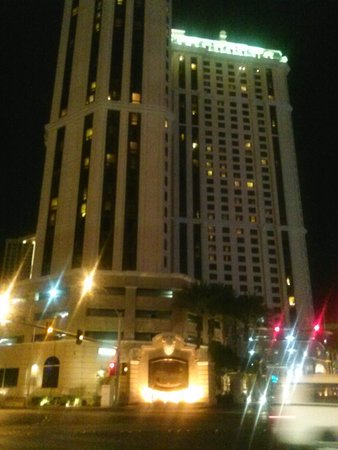 Marriott's Grand Chateau: grand chateau at night