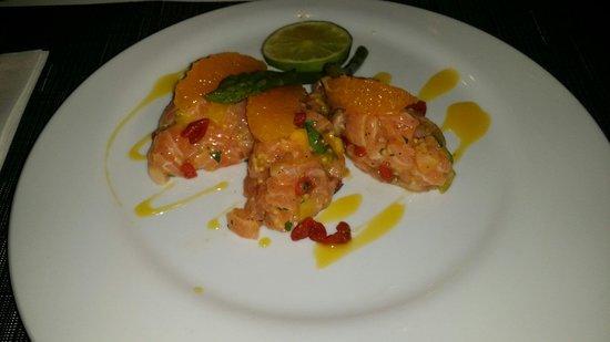 Le Boudoir: Tartare de saumon