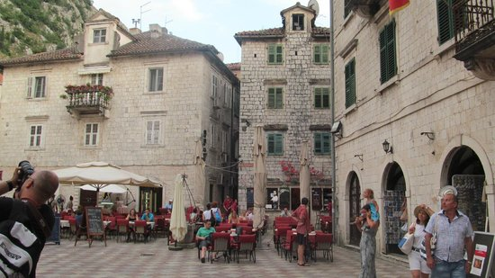Kotor Old City: Центральная площадь