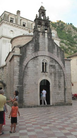 Kotor Old City: Церковь святого Николая