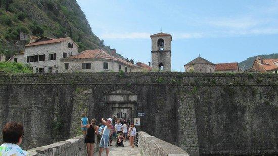 Kotor Old City: Речные ворота