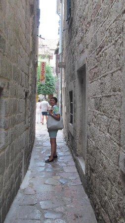 Kotor Old City: Узкие улочки