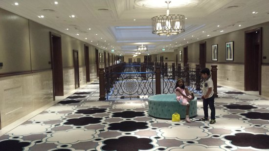 Waldorf Astoria Ras Al Khaimah: Corridor