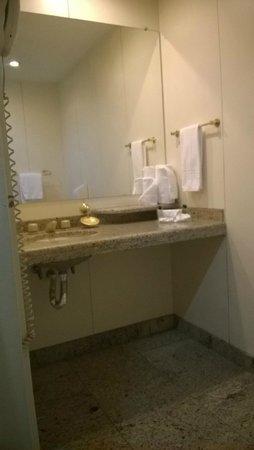 Hotel Sol Belo Horizonte: Banheiro do quaarto 901