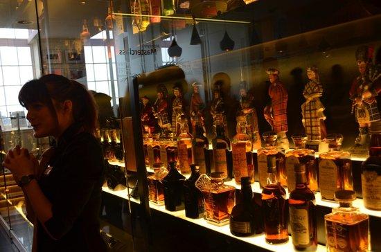 The Scotch Whisky Experience: Colección exterior de botellas raras