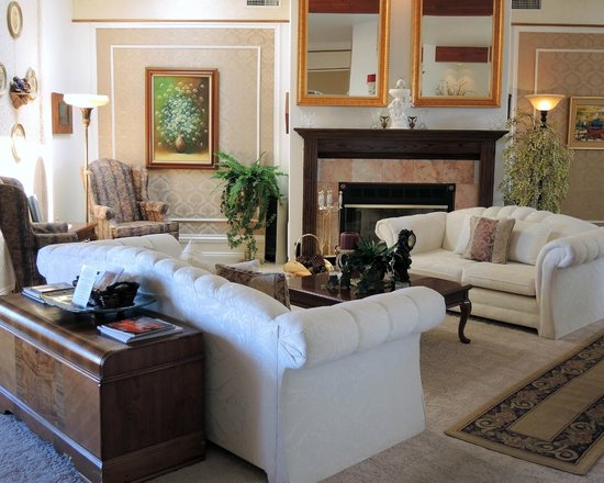 Dreamkatchers Lake Powell Bed & Breakfast: Living Room