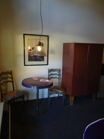 The Gonzo Inn: Stanza (angolo)