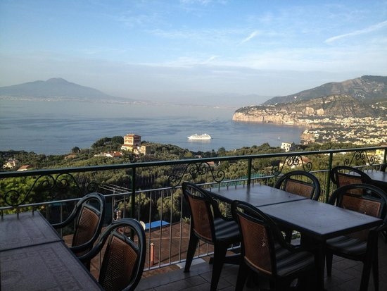 Il Nido Hotel Sorrento: view from breakfast