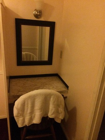 Country Lane Motel: extra seat&mirror