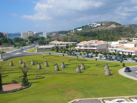 La Marquise Luxury Resort Complex: Vue sur l'entrée du complexe hôtelier