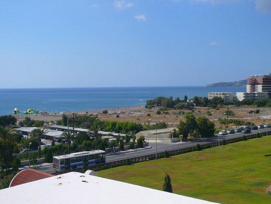 La Marquise Luxury Resort Complex: Vue sur la plage