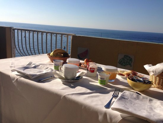 Hotel Maricanto : Breakfast on our balcony
