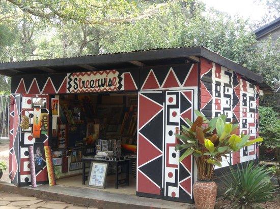 Utamaduni Craft Centre: Products created by Rehabilitated Street Kids