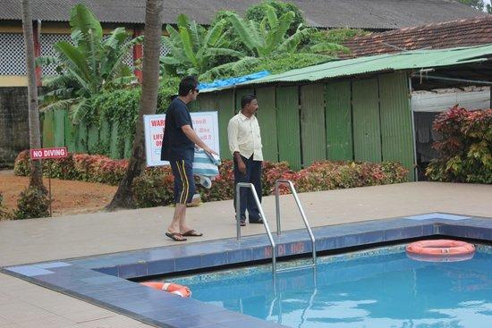 OYO 9992 Panoramic Sea Resort: Pool