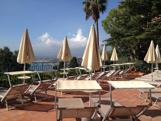 Hotel Villa Belvedere : poolside
