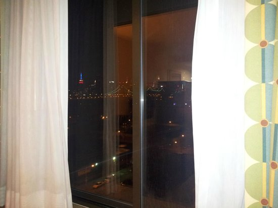 Ramada Long Island City: Manhattan View