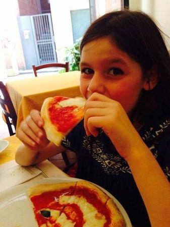 Gusto Giusto: face pizza, pizza face!