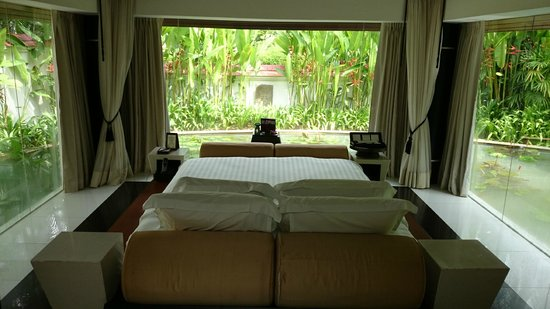 Banyan Tree Phuket: Room with auto curtains and a view