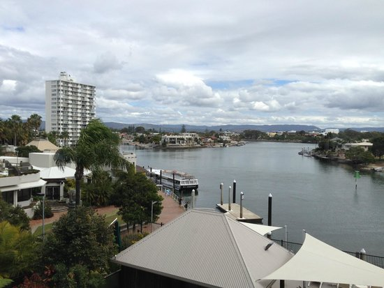 Moorings on Cavill Avenue: Breathtaking view from our room!