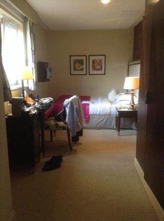 The Mandeville Hotel: ok size double room