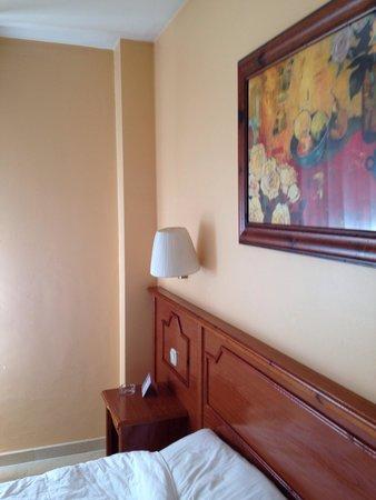 Hotel Pamplona Plaza: Detalle de sus habitaciones.