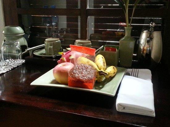 Kiridara Villa: In-room fruit and pastry