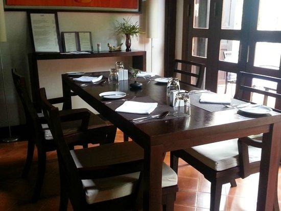 Kiridara Villa: Dining Room