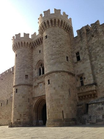 Palace of the Grand Master of the Knights of Rhodes : Veduta dall'esterno del Palazzo