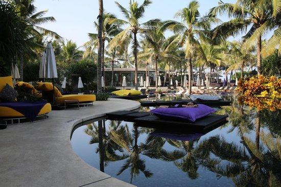 W Bali - Seminyak: Lounge around