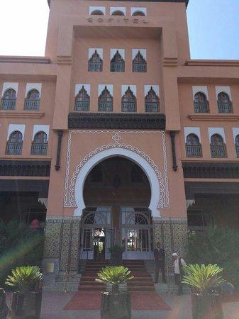 Sofitel Marrakech Lounge and Spa: Entrée Sofitel