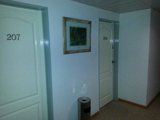 Foto de hotel campo alegre rafaela puertas habitaciones for Puertas habitaciones