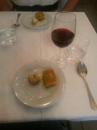 """AL KARMA """"La vigne"""" : Le dessert compris avec le mezzé"""