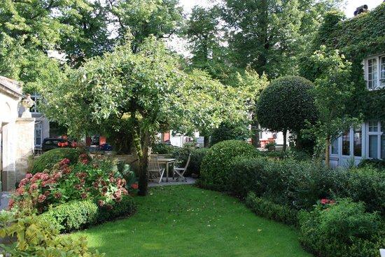 Cote Canal: Garden