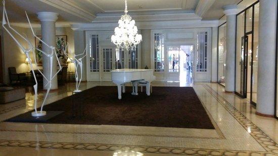 Sofitel Marrakech Lounge and Spa: Un des Couloirs