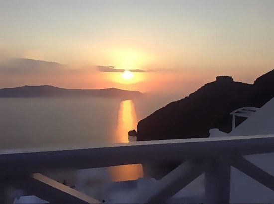 Cliff Side Suites : stunning sunsets