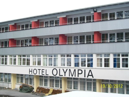 Hotel Olympia: sideview of the hotel