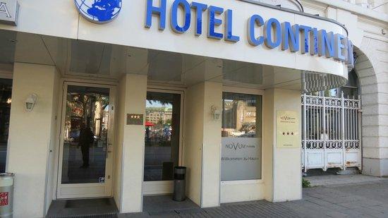 Novum Hotel Continental Hamburg Hauptbahnhof : Indgang til hotellet