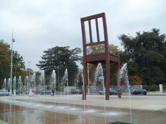 UNOG - Palais des Nations: Place de Nationes