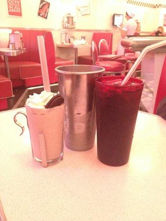 Eddie Rocket's: Oreo milkshake!