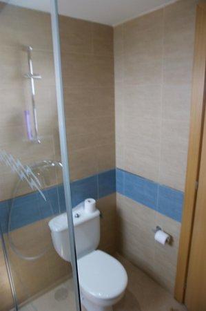 Hotel Caprici: Ванная комната