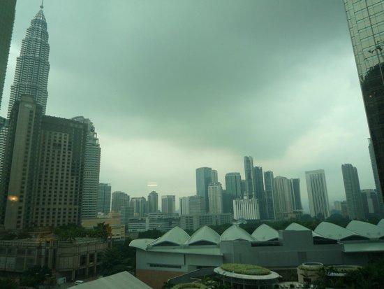 Hotel Novotel Kuala Lumpur City Centre: Вид из номера