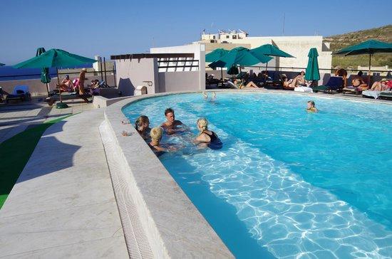 Calypso Hotel: Salzwasserpool auf der Dachterrasse