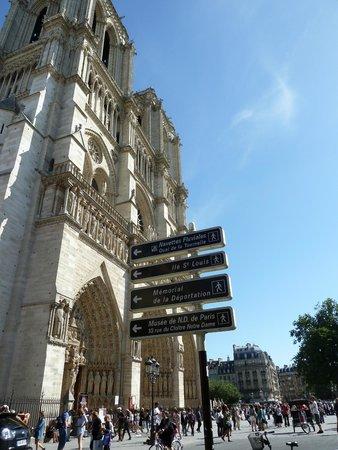 Catedral de Notre Dame: Центральный вход