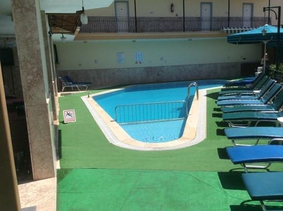 Ozlem 2 Apart Otel: ozlem 2s pool