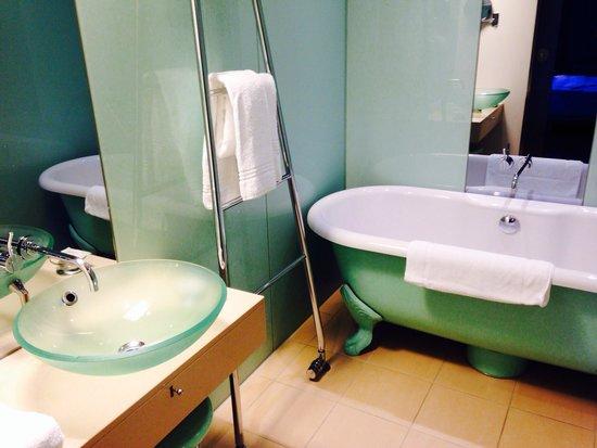 Le Méridien Hamburg: Baño