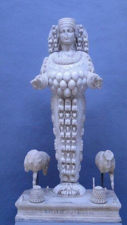 Ephesus Museum: Statue d'Artémis