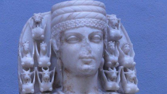 Ephesus Museum: Détails de la statue d'Artémis